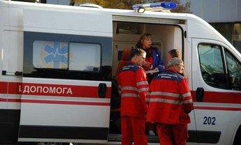 Медики госпитализировали 84 отравленных в детском лагере - фото 1