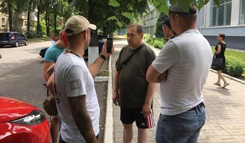 Волонтер из Сум зарабатывал на украинских бойцах - фото 1