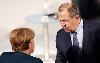 Меркель встретилась в Лавровым и главой генштаба России - фото 1