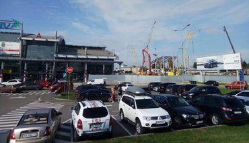 Жуляны пожертвовали частью парковки ради терминала А - фото 1