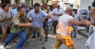 В оккупированном Крыму крымский татарин поджег себя на глазах у активистов - фото 1