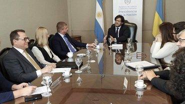 Украина и Аргентина договорились передавать заключенных - фото 1