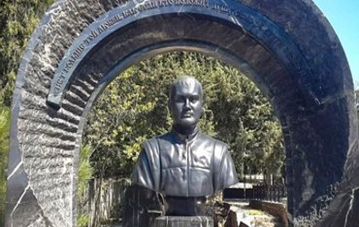 На могиле Виктора Януковича-младшего появился памятник - фото 1