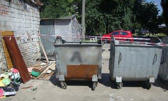 В Киеве женщина выбросила новорожденного в мусорный бак - фото 1
