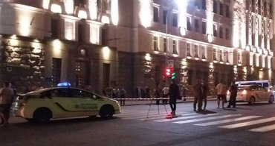 Нападение на мэрию Харькова: подробности перестрелки и убийства полицейского - фото 1