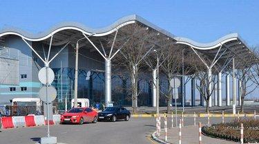 В аэропорту Одессы стартовало строительство модернизированной полосы  - фото 1