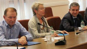 Двухдневное заседание Трехсторонней контактной группы начнется во вторник, 21 августа - фото 1