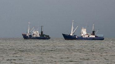 Российские террористы продолжают блокаду украинских портов в Азовском море - фото 1