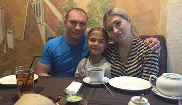 Вдова депутата Жука уехала в Россию  - фото 1