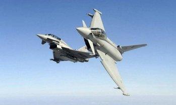 Британские истребители перехватили российские военные самолеты - фото 1