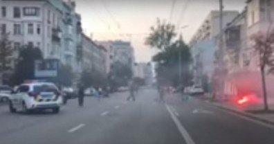 В Киеве подрались голландские и украинские фанаты (видео) - фото 1