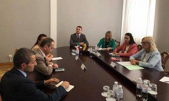 Людмила Денисова поговорила с итальянским послом о задержанных украинцах - фото 1