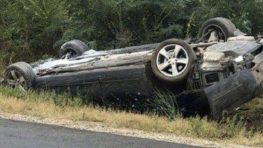 Авто с президентом Молдовы перевернулось после столкновения - фото 1