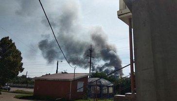 Спасатели пытаются потушить пожар уже пять часов - фото 1
