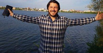 Сергей Притула спародировал самого странного депутата - фото 1