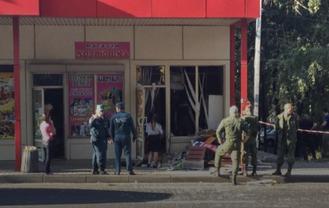 """Боевик """"ДНР"""" взорвал гранату в продуктовом магазине - фото 1"""