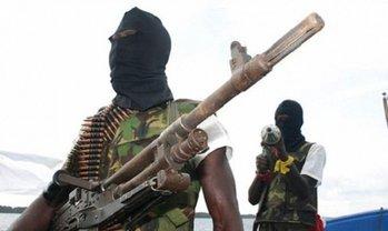 Нигерийские пираты похитили украинца - фото 1