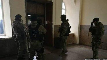 Подразделения полиции оцепили больницу в Одессе  - фото 1