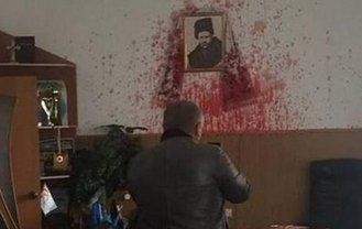Активисты обвиняют мэра Гнивани в поставке сырья для Керченского моста - фото 1