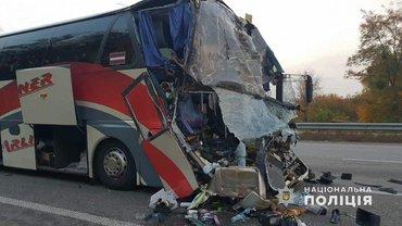 """Водитель """"Неоплана"""" утверждает, что ему не дали отдохнуть перед поездкой - фото 1"""