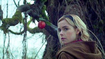 """Netflix выпустит специальный эпизод """"Леденящих душу приключения Сабрины"""" - фото 1"""