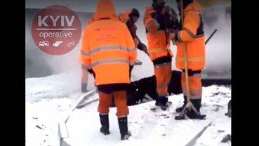 Киевским коммунальщикам снег нипочем - фото 1