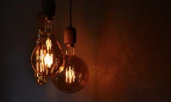 Иллюстративное фото. В Крым новых LED-ламп нет, как и электричества - фото 1