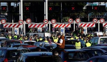Акции желтых жилетов во Франции - фото 1