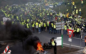 Акции желтых жилетов: во Франции увеличилось количество пострадавших - фото 1