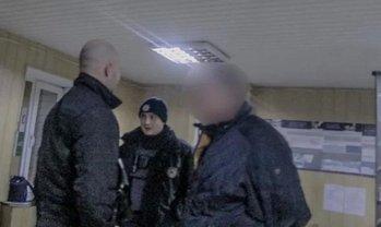 Полицейские задержали пьяного мужчину, устроившего с ними погоню - фото 1