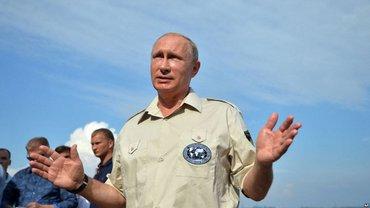"""Путин захотел обсудить """"будущее России"""" в Крыму - фото 1"""
