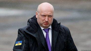 Атака России в Керченском проливе: в Украине могут ввести военное положение - фото 1