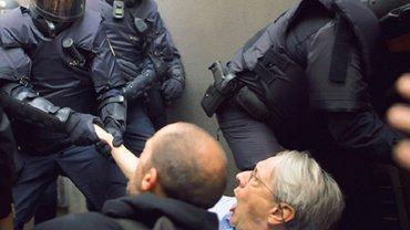 Заключенные экс-лидеры Каталонии объявили голодовку - фото 1