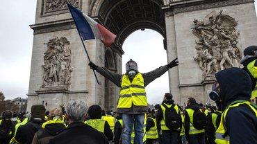 Францию охватили массовые протесты - в чем причина - фото 1
