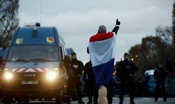 """Во Франции снова протесты """"желтых жилетов"""": более 480 человек задержали - фото 1"""