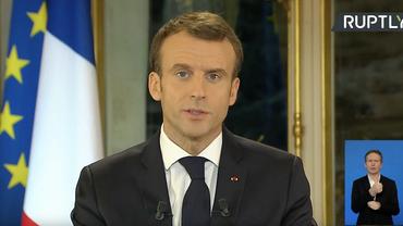 Макрон понимает гнев французов, но не оправдывает атаки на полицию - фото 1