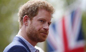 Принцу Гарри не нравится, что вокруг его семьи скопилось много негатива - фото 1