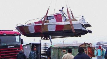 На помощь украинским пограничникам Мариуполя доставили новый катер - фото 1