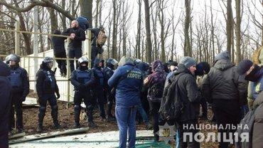 Устименко участвовал в сносе незаконно установленного забора - фото 1