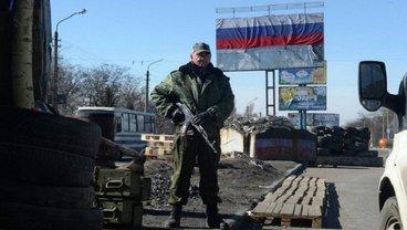 На блокпосте боевиков в очереди умер мужчина - фото 1