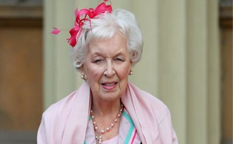 Джун Уитфилд запомнилась публике как актриса комедийных сериалов - фото 1