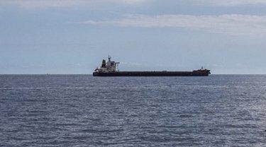 В заливе Атлантического океана захватили судно с русскими - фото 1