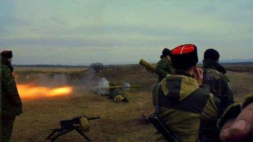 Боевики подбили грузовик ВСУ из ПТРК - фото 1