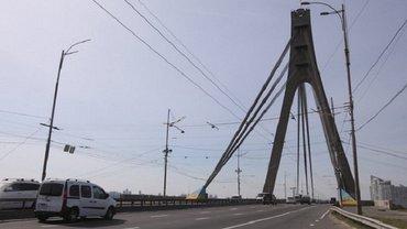 В Киеве ограничат движение на Северном мосту - фото 1