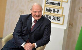 Лукашенко заявил, что в Белорусь из Украины поступает оружие - фото 1