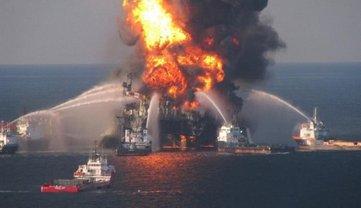 Смерть по неосторожности: в РФ после пожара в Керченском проливе возбудили уголовное дело - фото 1