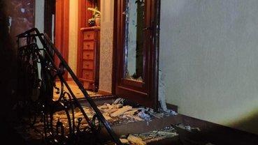 На Закарпатье из гранатомета обстреляли жилой дом - фото 1