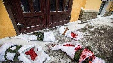 Рожай мясо: под военкоматом в Санкт-Петербурге провели акцию против службы в армии - фото 1