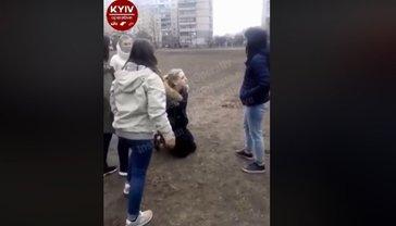 Школьники толпой избили сверстницу - фото 1