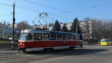 Из трамвая в Каменском выгнали пожилую пассажирку - фото 1